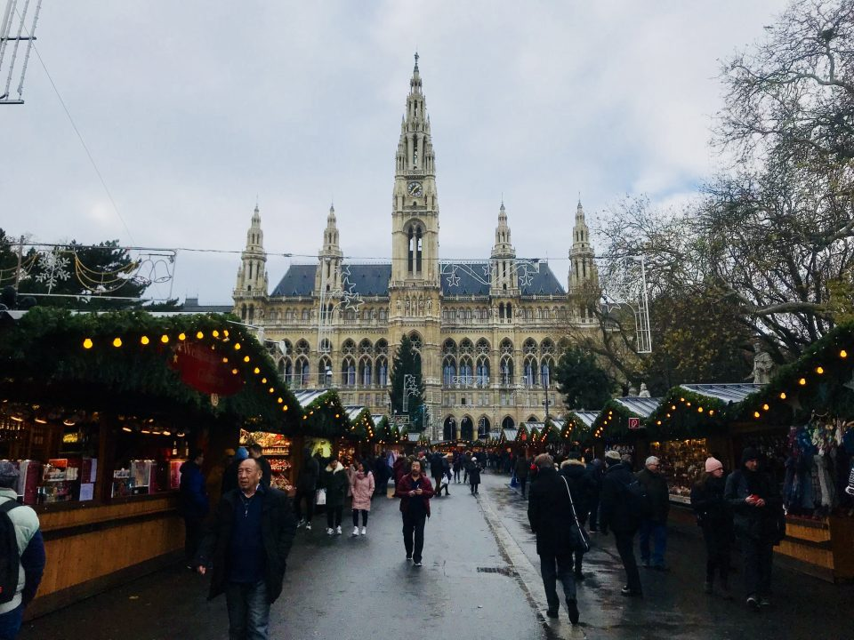 Christkindlmarkt on the Rathausplatz