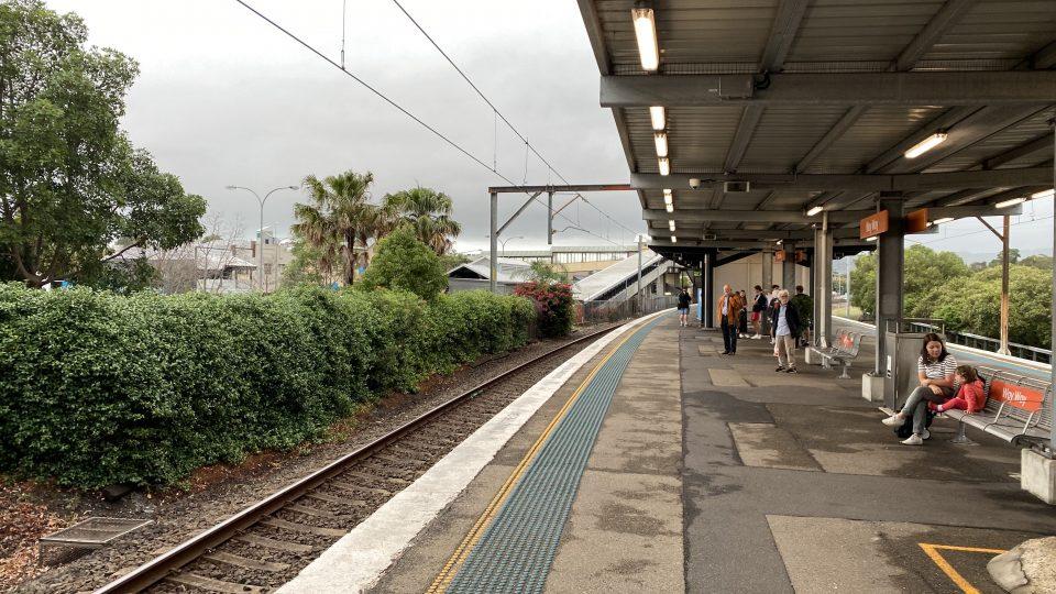train from Woy Woy to Sydney
